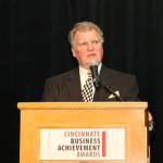 Tom Nies Accepts Carl H. Lindner Award for Outstanding Business Achievement